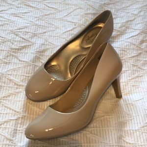 Shoes - NWOT Flawless WIDE 8.5 Comfort Flex Pumps NUDE
